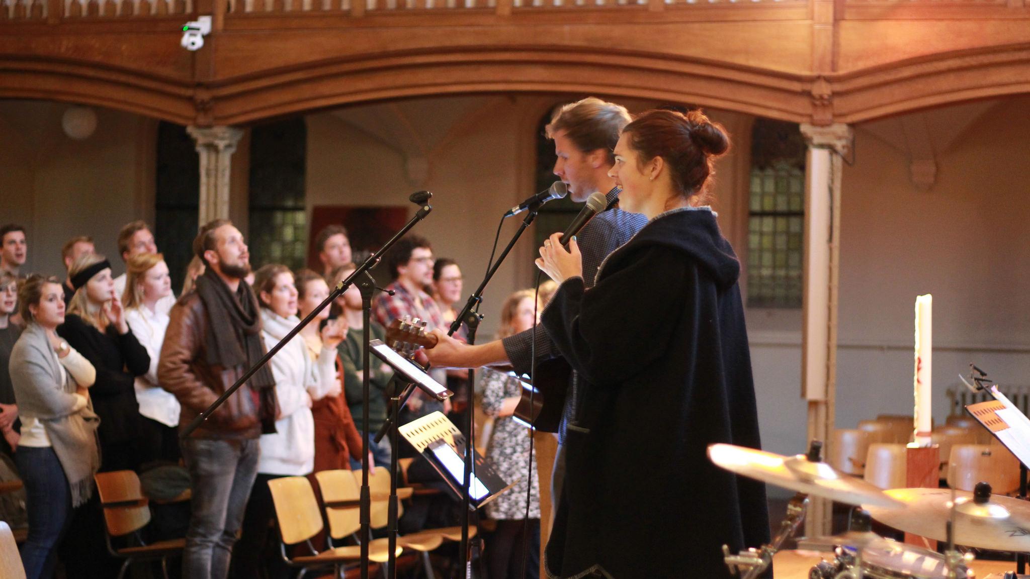 MEER-avond: 'Aanstekelijk aanbidden – de relatie tussen getuigen en aanbidding'