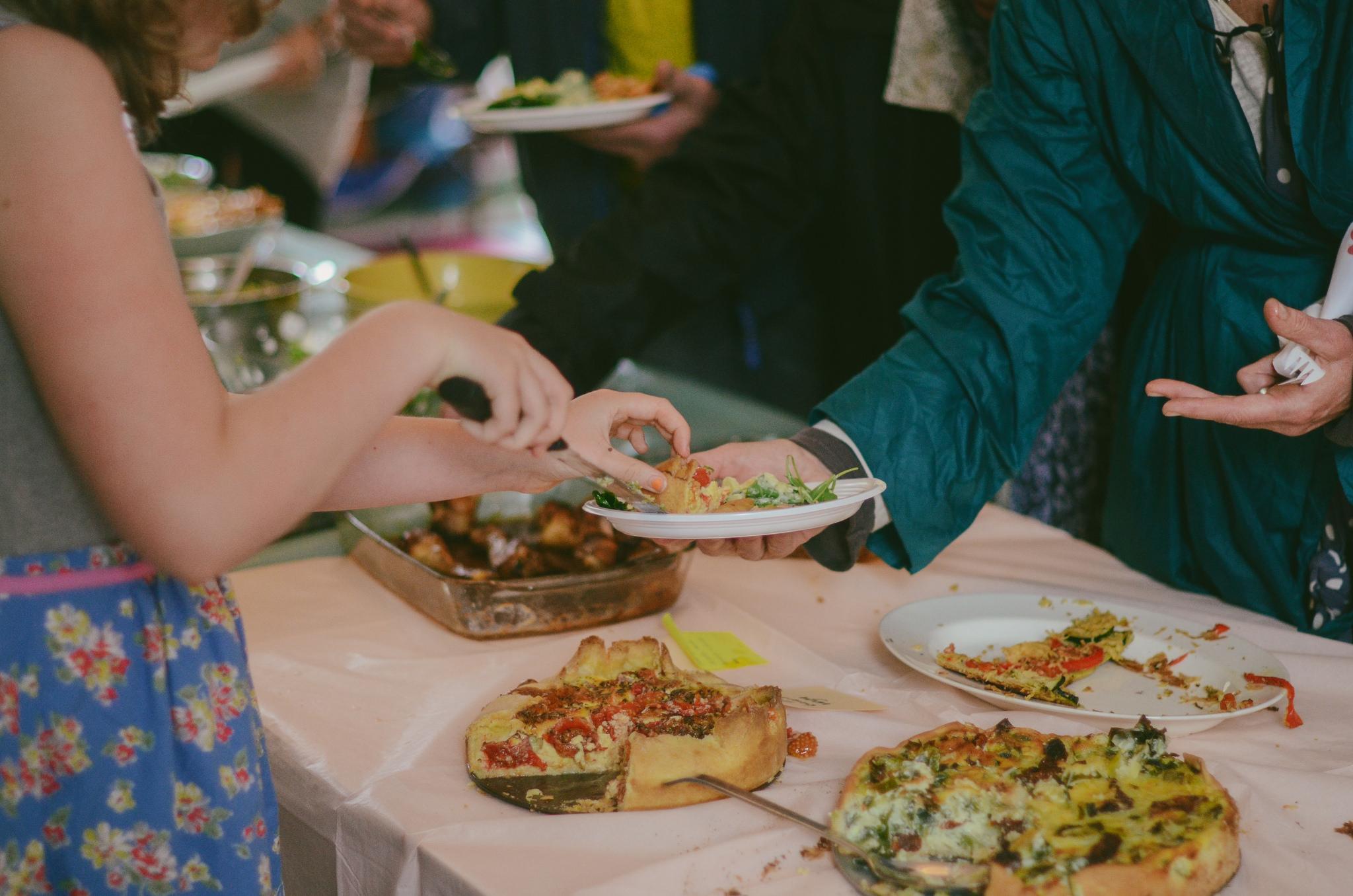 Organiseer een etentje met mensen met vluchtelingenachtergrond